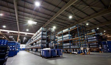 Oświetlenie biurowe – normy oświetleniowe na stanowisku pracy